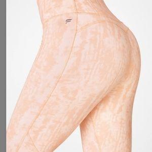 NWOT Fabletics Ultra High-Waisted 7/8 Leggings